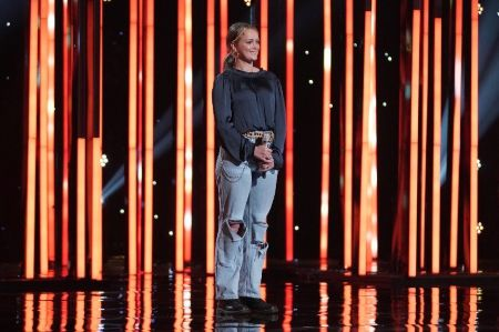 Hannah Everhart on the American Idol Stage