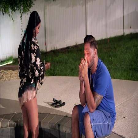Ronnie cheated on his girlfriend with so-called Jewish Barbie on Thursday's episode of Jersey Shore Family Vacation,