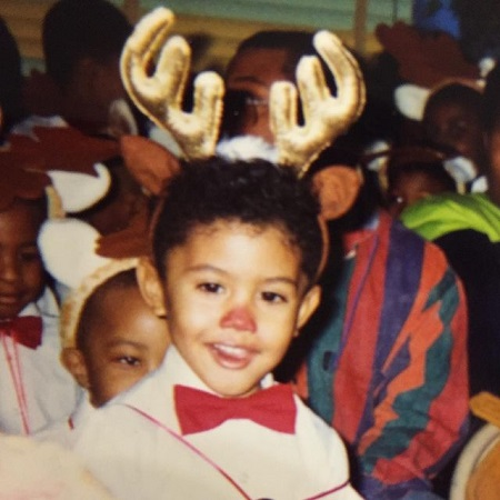 Leyna Bloom being Rudolph in her childhood pic, source Instagram