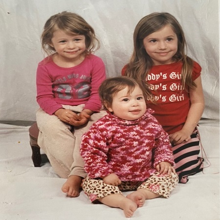 Gideon Adlon with her siblings, source