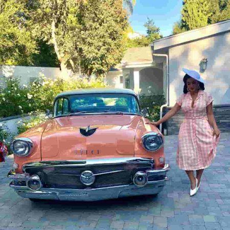 Lena Plug with her Car