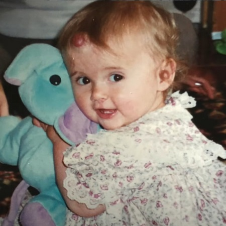 Molly-May Hague in her chilhood, soucre Piinterest