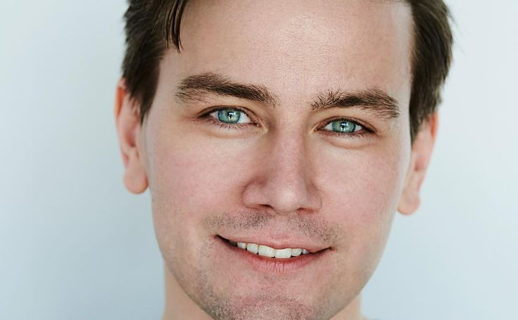 Torrance Coombs Bio, Family, Relationship, Girlfriend, and Net Worth
