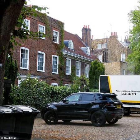 George's house in UK