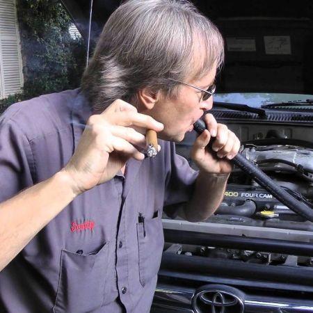 Scotty repairing car