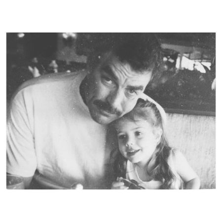Younger hannah with her dad