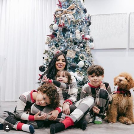 Kairy with her adorable sons celebrating end of the year, source Instagram