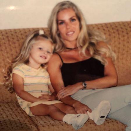 Jessica with her daughter Josie, source Instagram josiecanseco