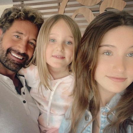 Gabreil with his two gorgeos daughters Elissa Marrie andAlexa Mirada, source Instagram