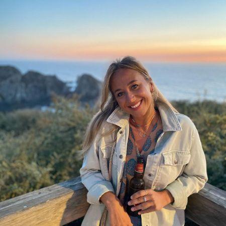 Rebecca Muir's recent pic in Costa Vicentina, source Instagram
