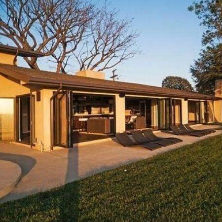 Chris Evans's house