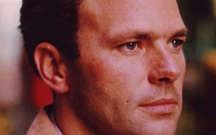 Former Enflish artist, Derek Cracknell, his neworth, familylife, and death.